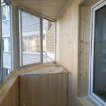 Обшиваем балкон вагонкой